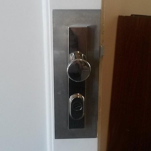 Výměna zámku u vchodových dveří